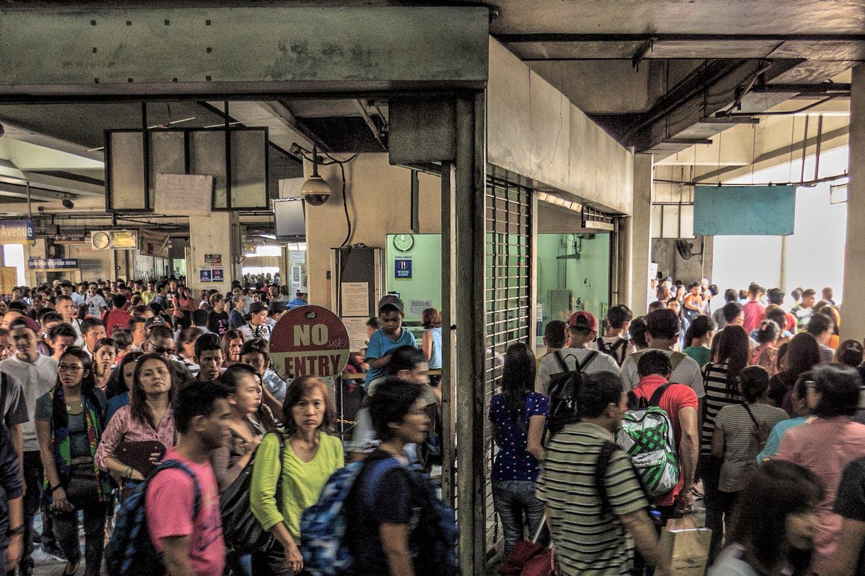 MRT to LRT transfer in Manila