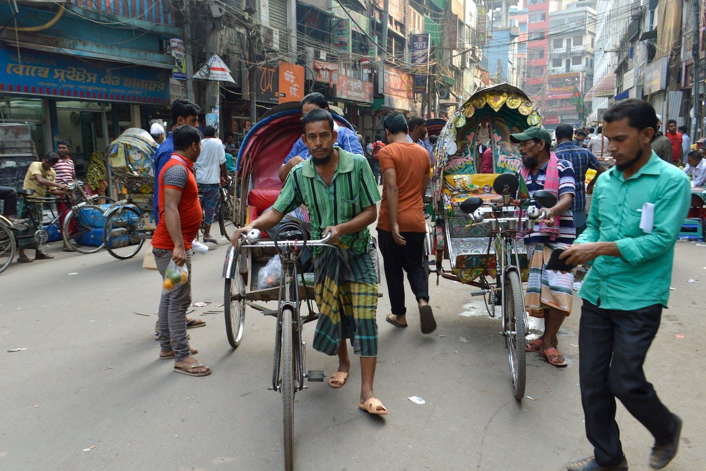 dhaka street scene