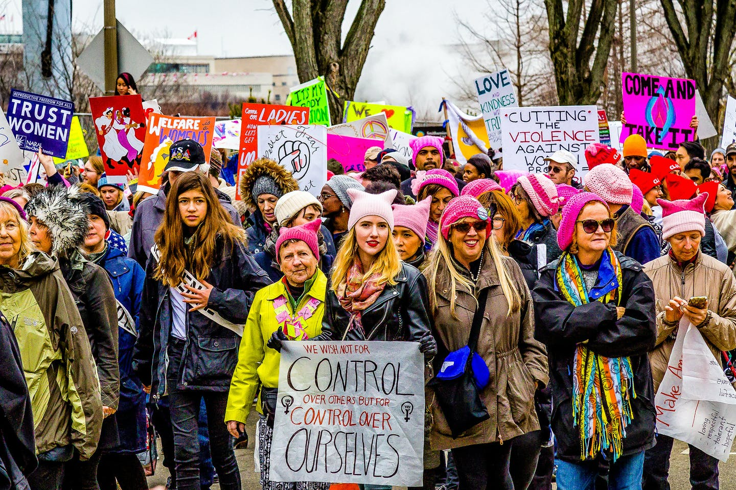 Women's March on Washington. Female investors are more likely to factor sustainability into their investment decisions. Image: