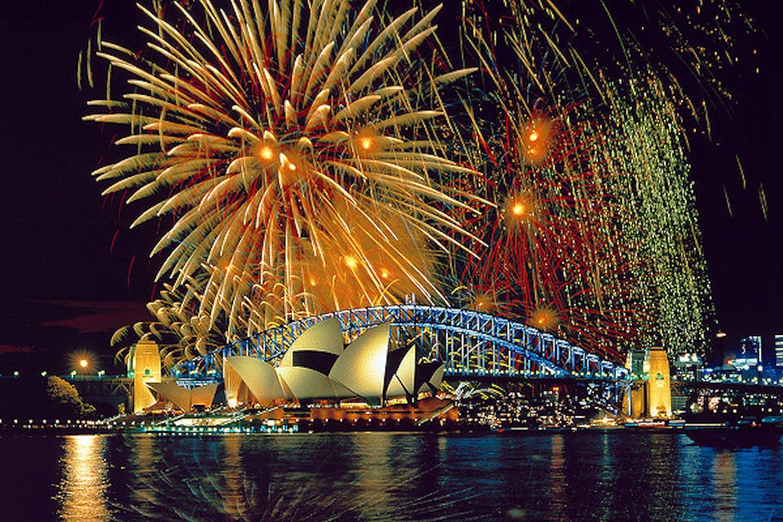 Fireworks over Sydney Opera House