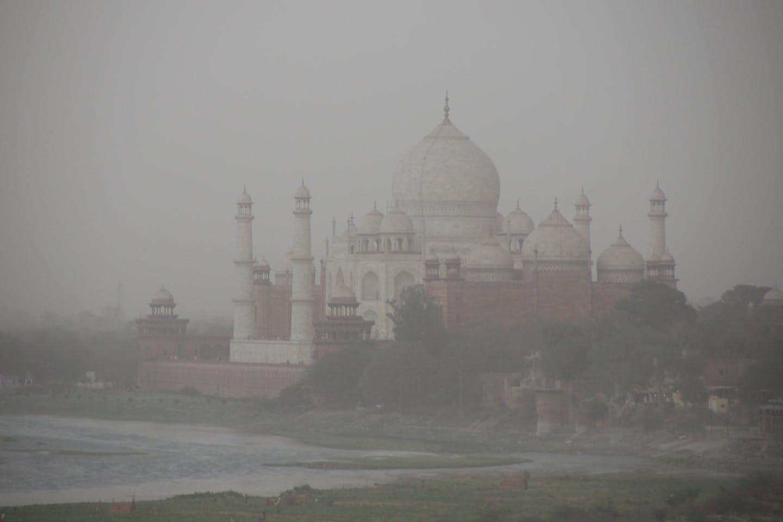 Dust storm Taj Mahal