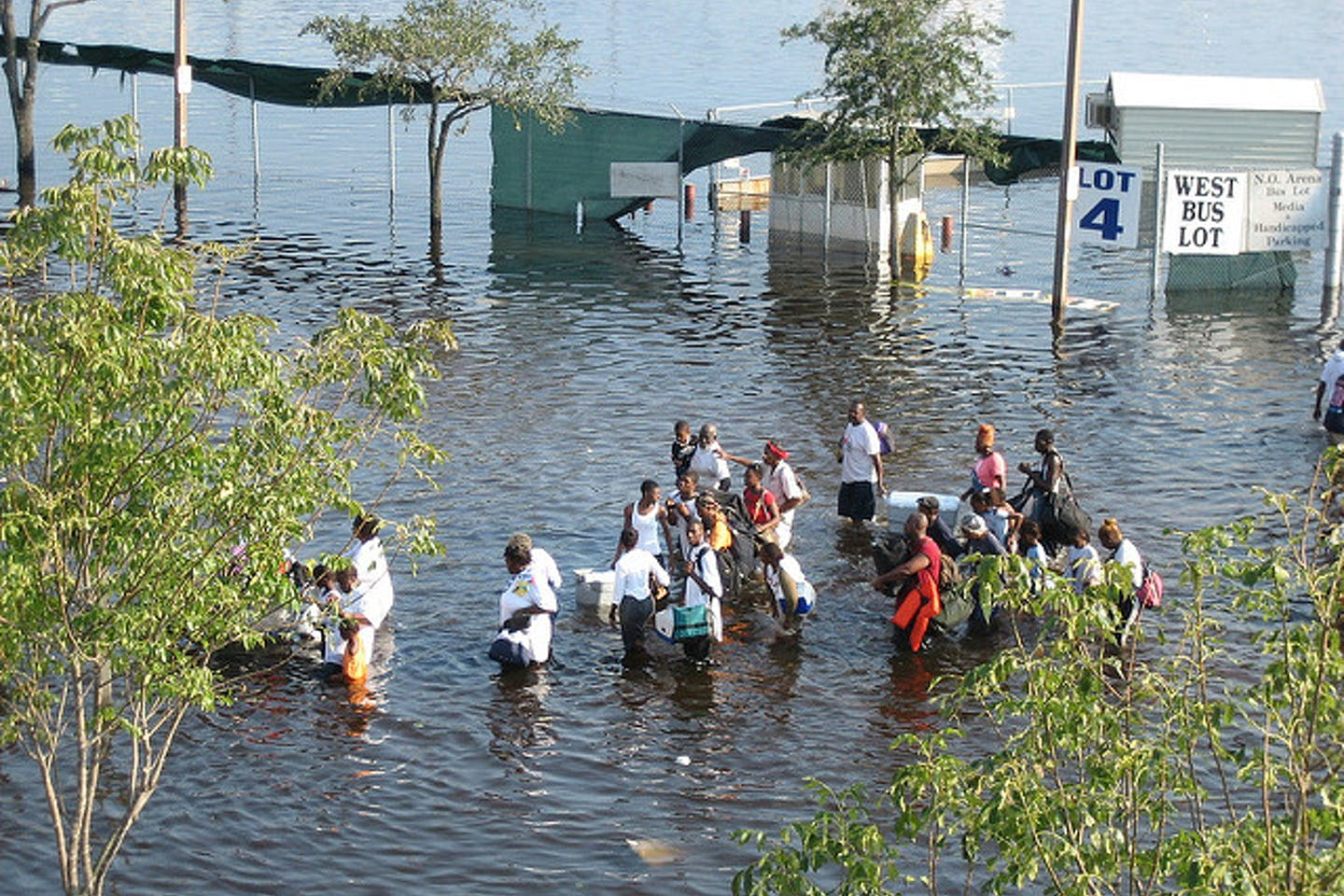 residents flee Katrina floods