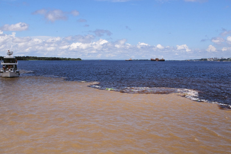 acidic rio negro colombia