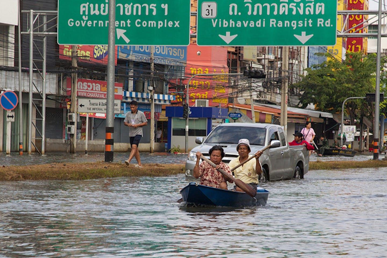 bangkok flooding 2011