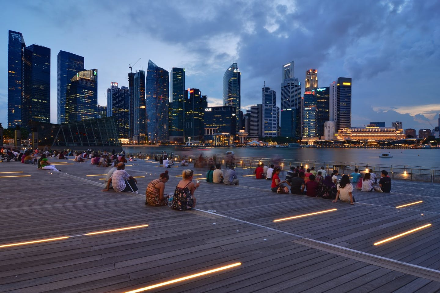 Photo of Singapore marina bay waterfront by dusk