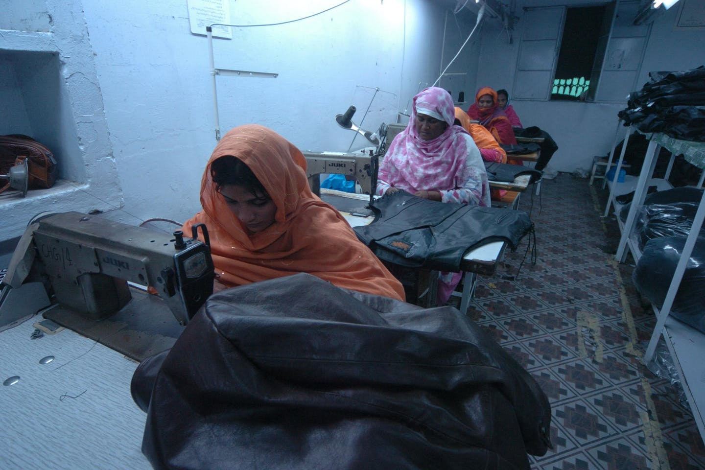 women garment workers in Lahore