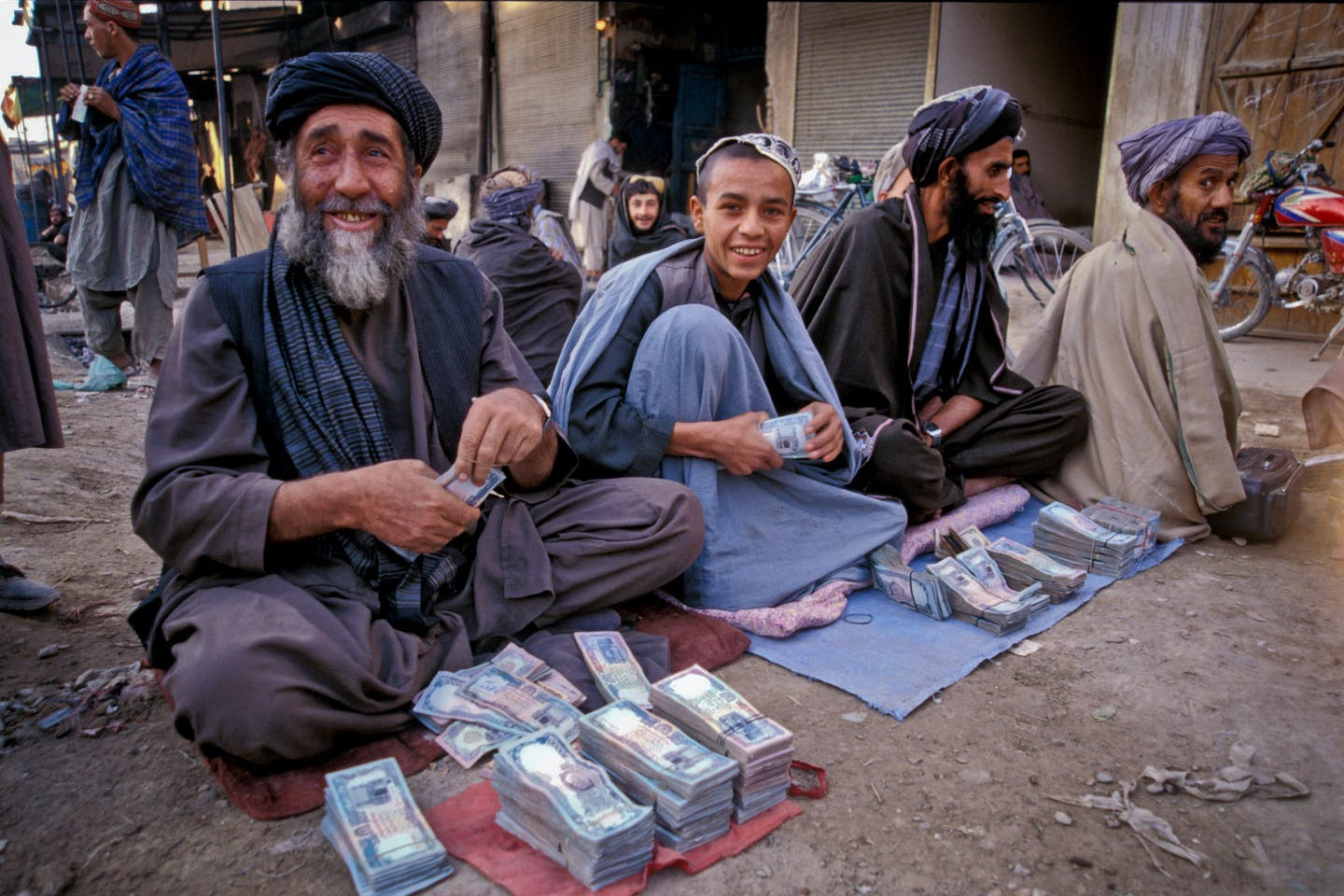 money on street afghanistan