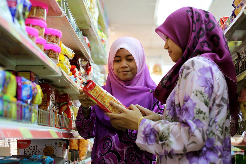 Women shopping for groceries in Kuala Lumpur