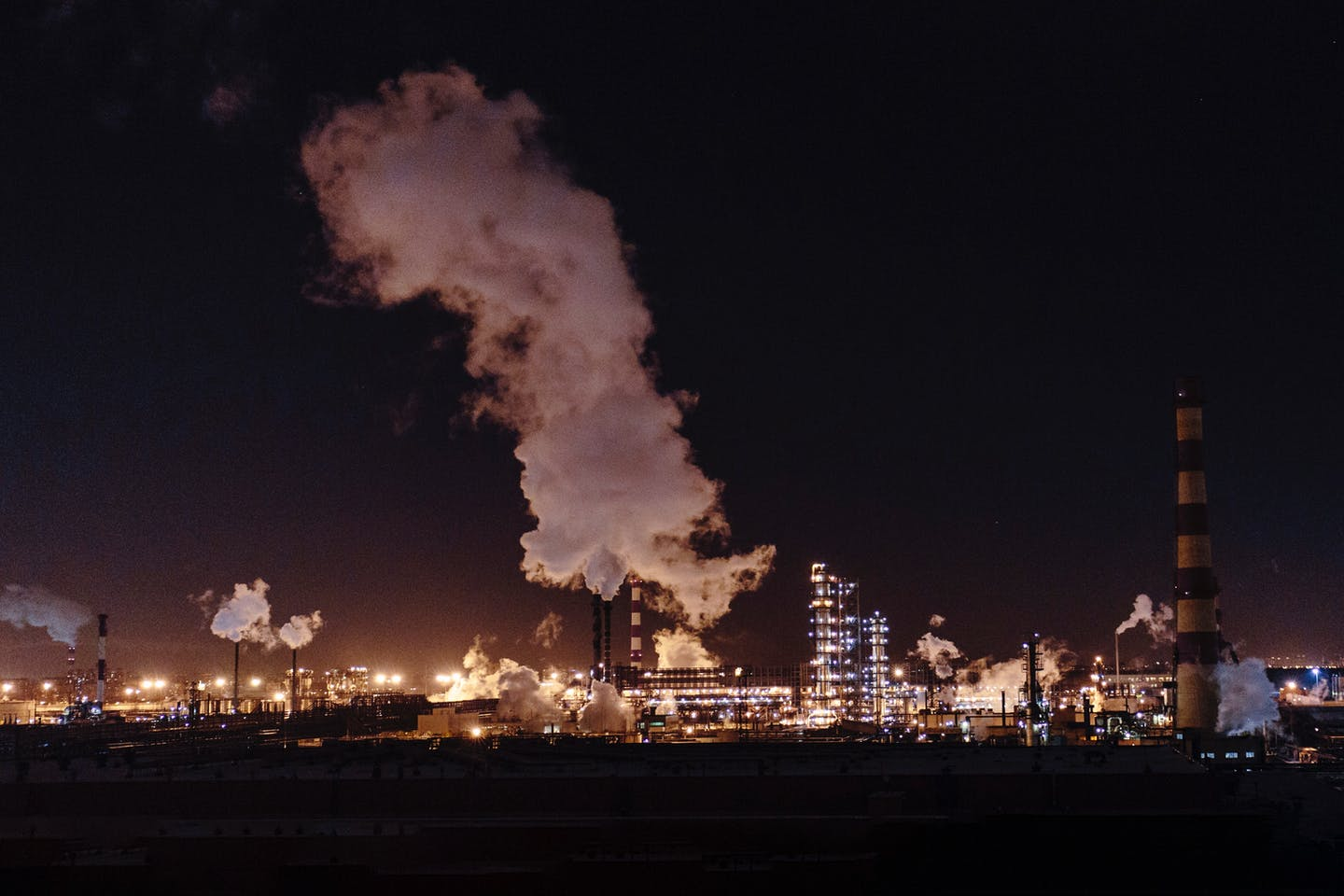 emissions from a power plant in moscow russia