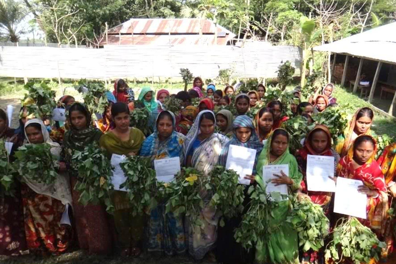 bangladeshi women training farming climate