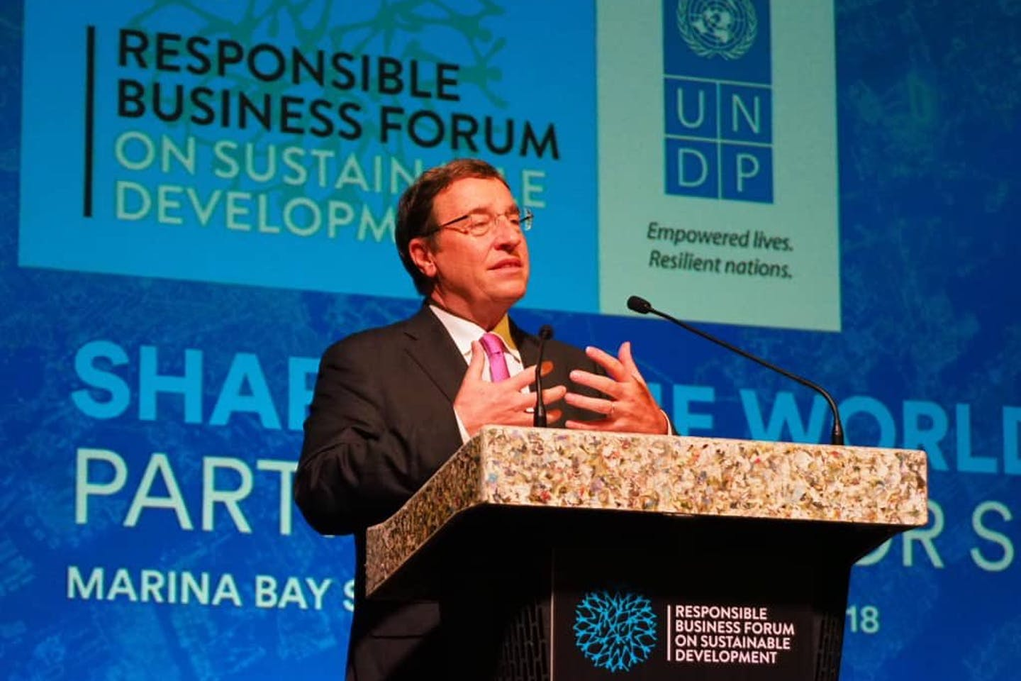 Achim Steiner talking at the Responsible Business Forum in Singapore. Image UNDP Asia Pacific