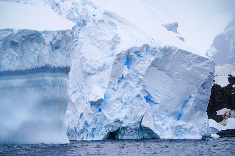 Antarctic ice block soon to collapse
