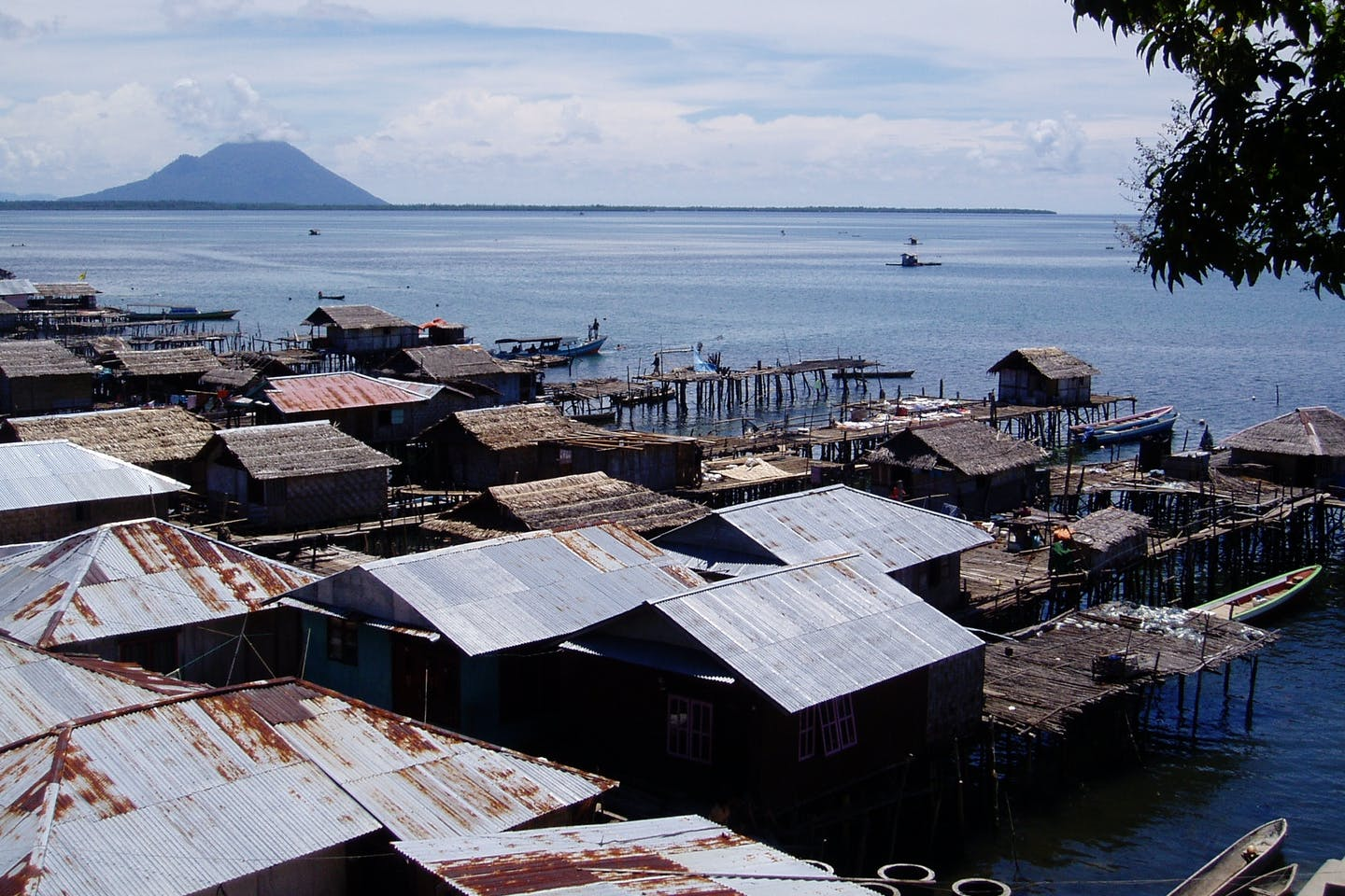 The coastline of Sulawesi, Indonesia, where languages and cultures are threatened by climate change. Anastasia Riehl,