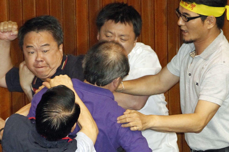 Taiwanese brawl over nuclear energy