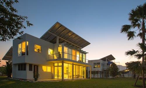 Thai homes score world's first in storing sunshine