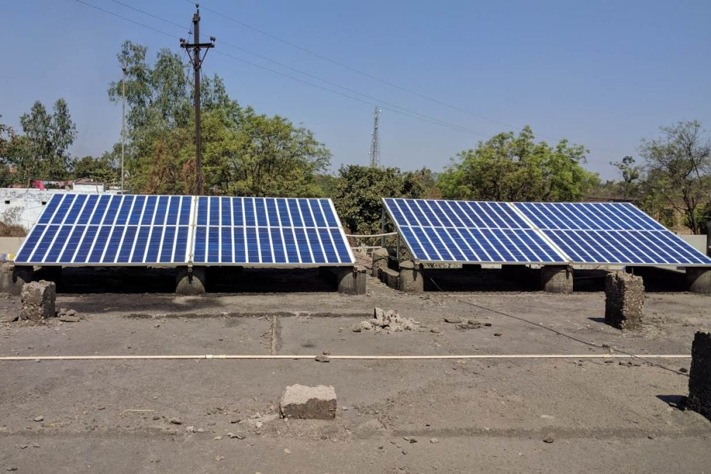 solar powers health centres in India