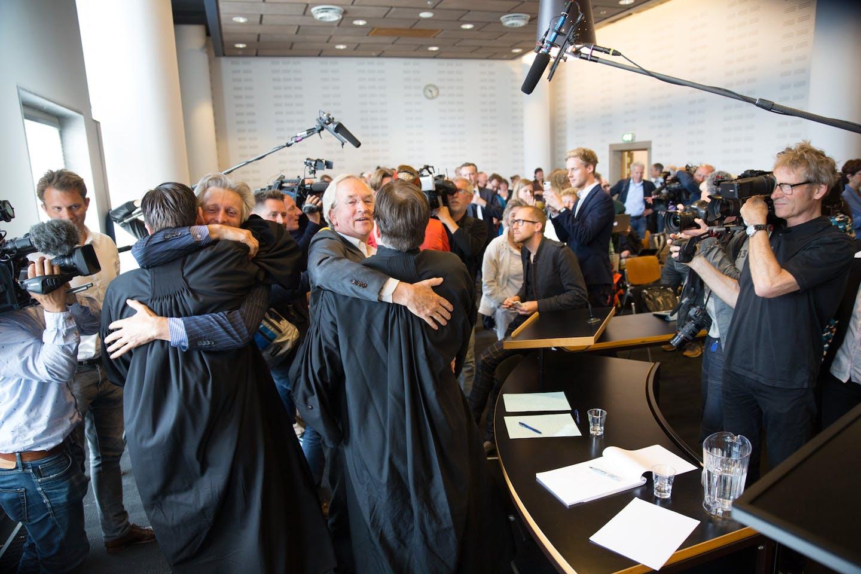urgenda lawyers celebrate