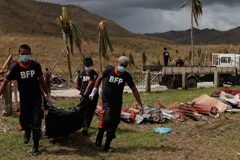 Haiyan mass burial