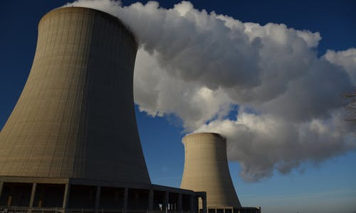 Japan disaster, economic crisis prompt IAEA to cut nuclear growth projection