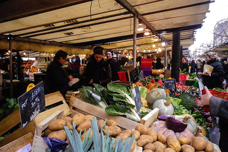 Organic market in Paris