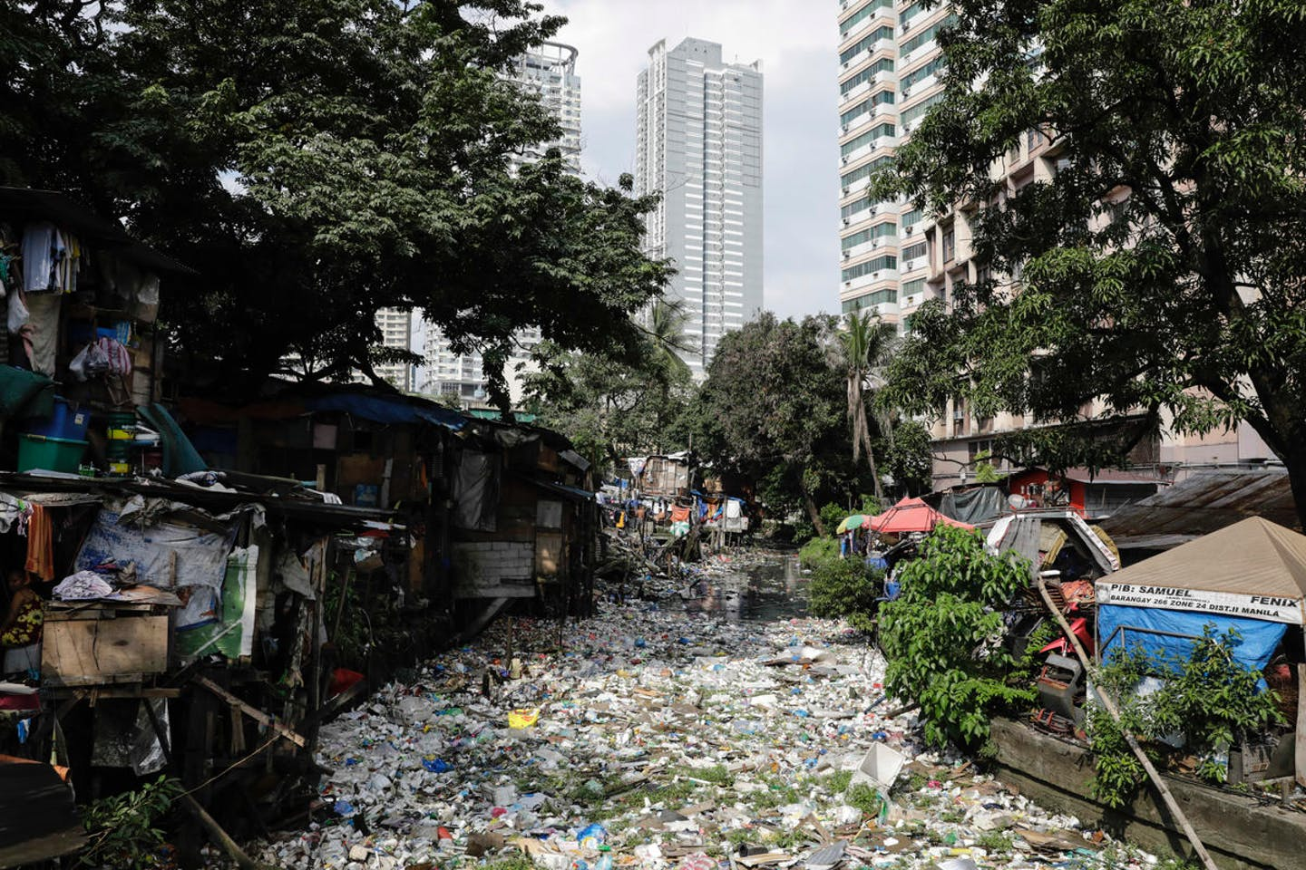 Estero de Magdalena, a marine channel running through the city of Manila. Typhoon Ompong has revealed the scale of plastic pollution in the Philippine capital. Image: Joshua Paul/Greenpeace
