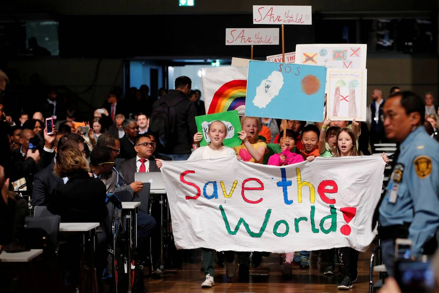 children on climate march in Bonn