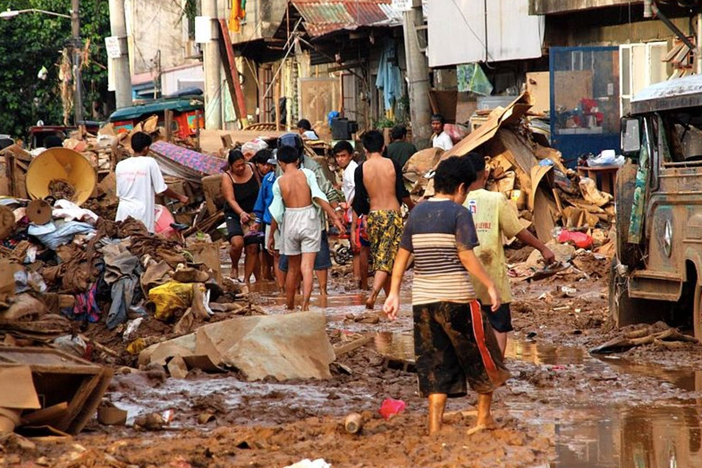 flooded urban poor manila
