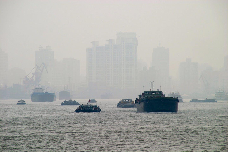 shanghai smog boats