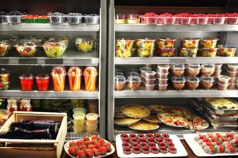 packaging plastic food