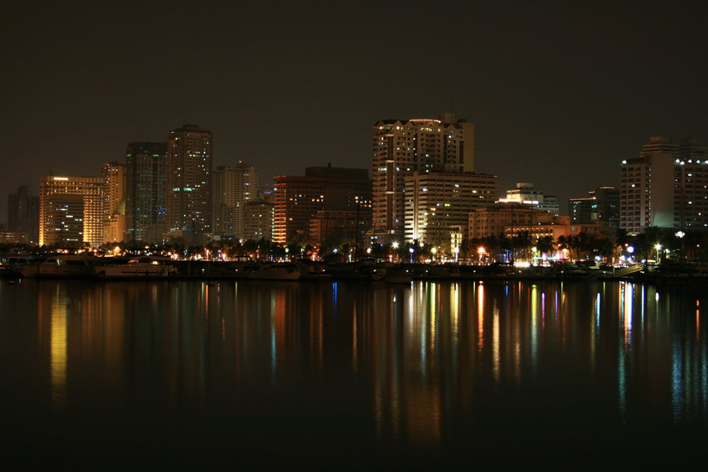 manila night skyline
