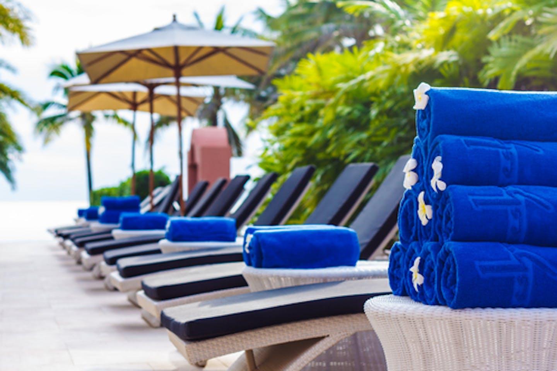 towels hotel pool