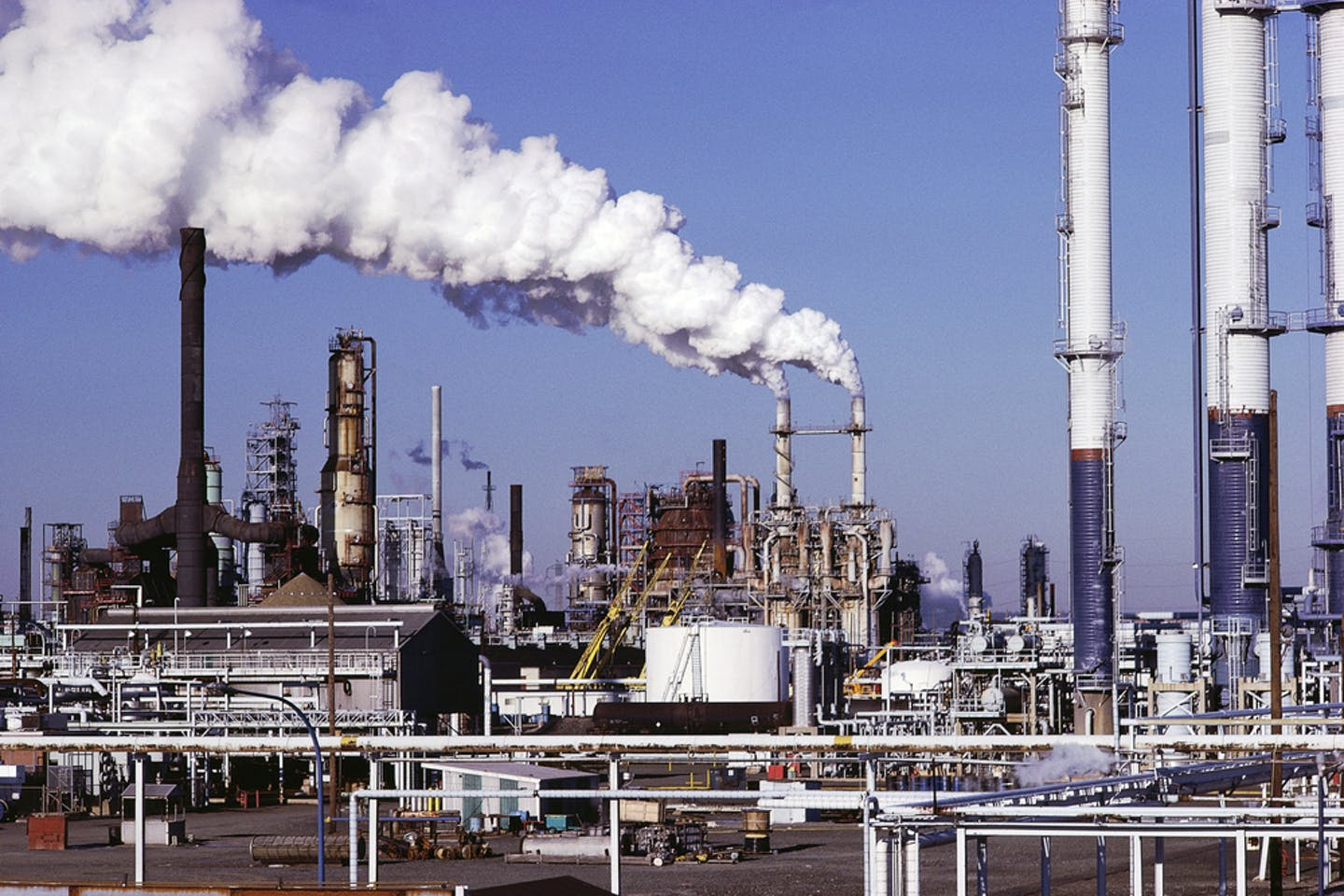 US emissions oil refinery