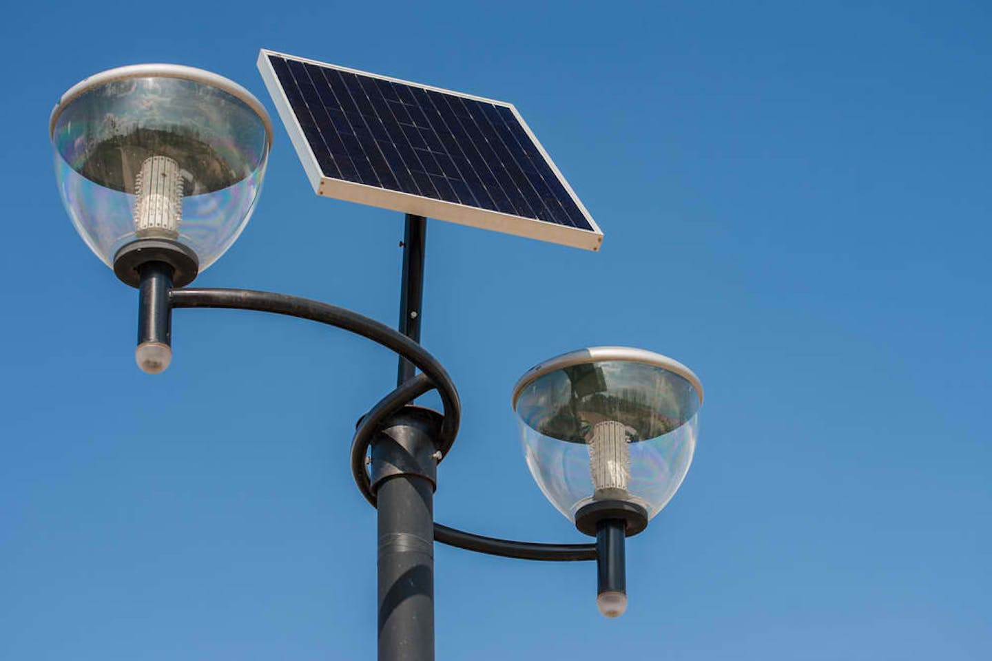 Efficient lighting with clean technology