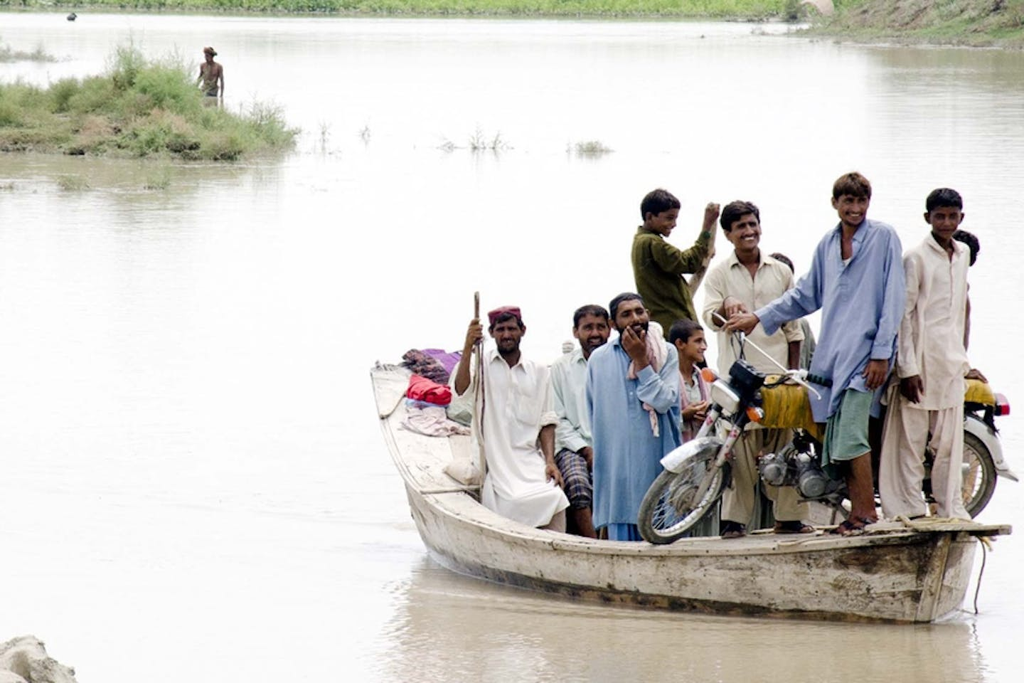 pakistan flood evacuation