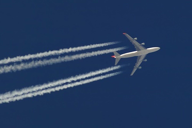 contrails aircraft