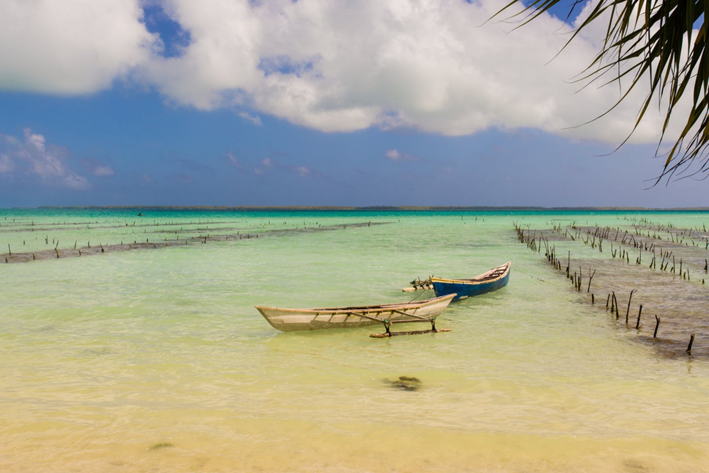 kiribati coastline boat