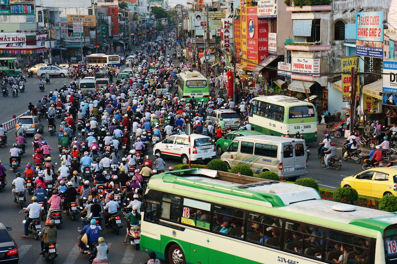 vietnam crowds