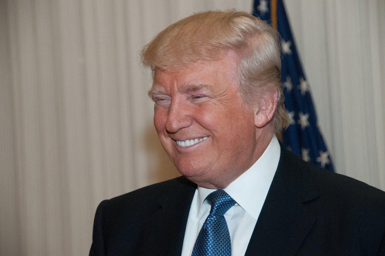 donal trump smiling
