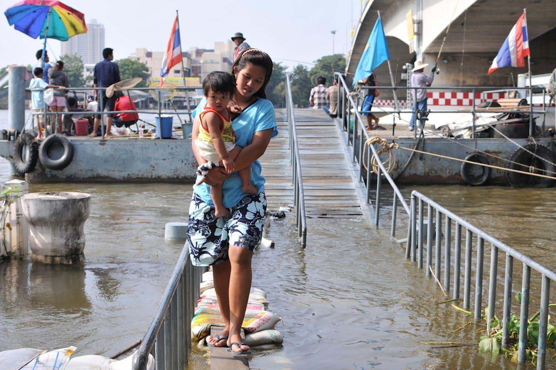 woman child flood