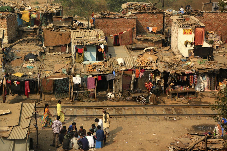 dehli slum dwellings