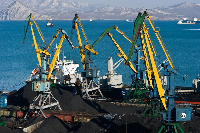 coal loading japan