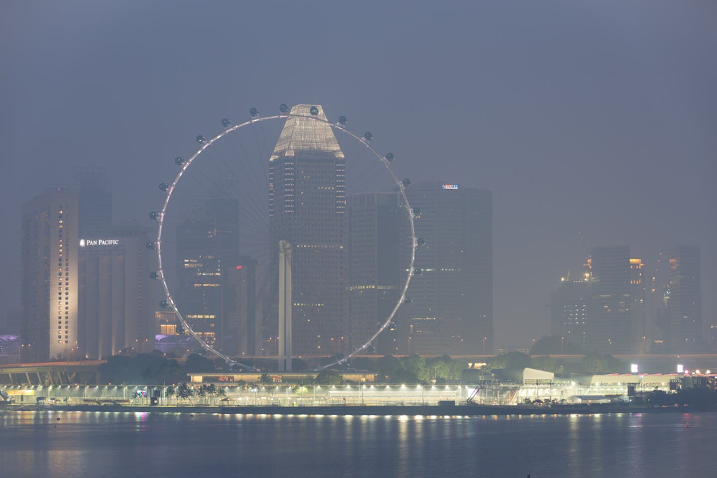 marina bay night haze