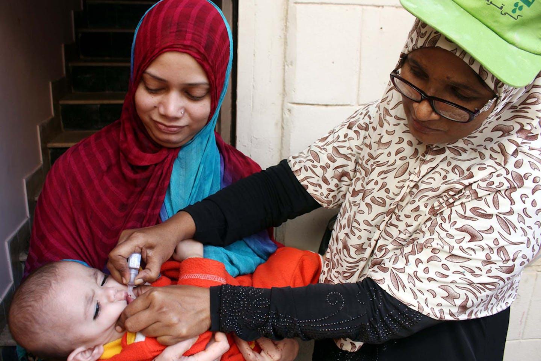 karachi polio vaccinations