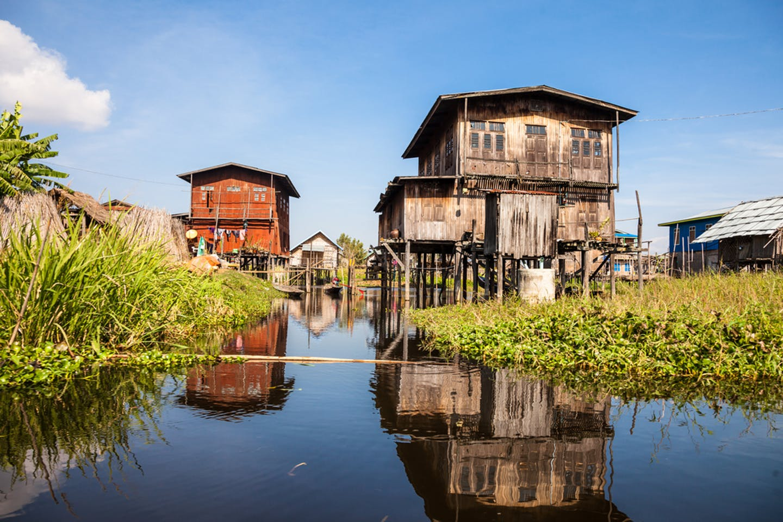 inle lake floating houses