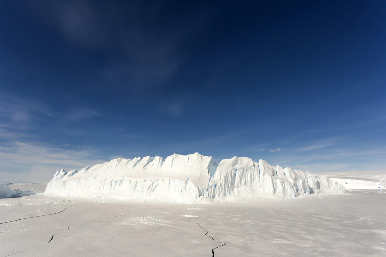 antartica ice barrier