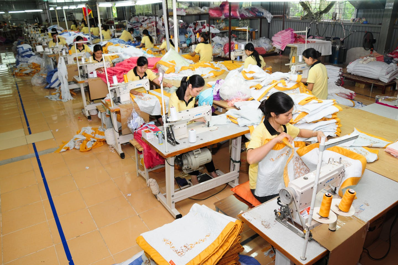 hanoi garment workers