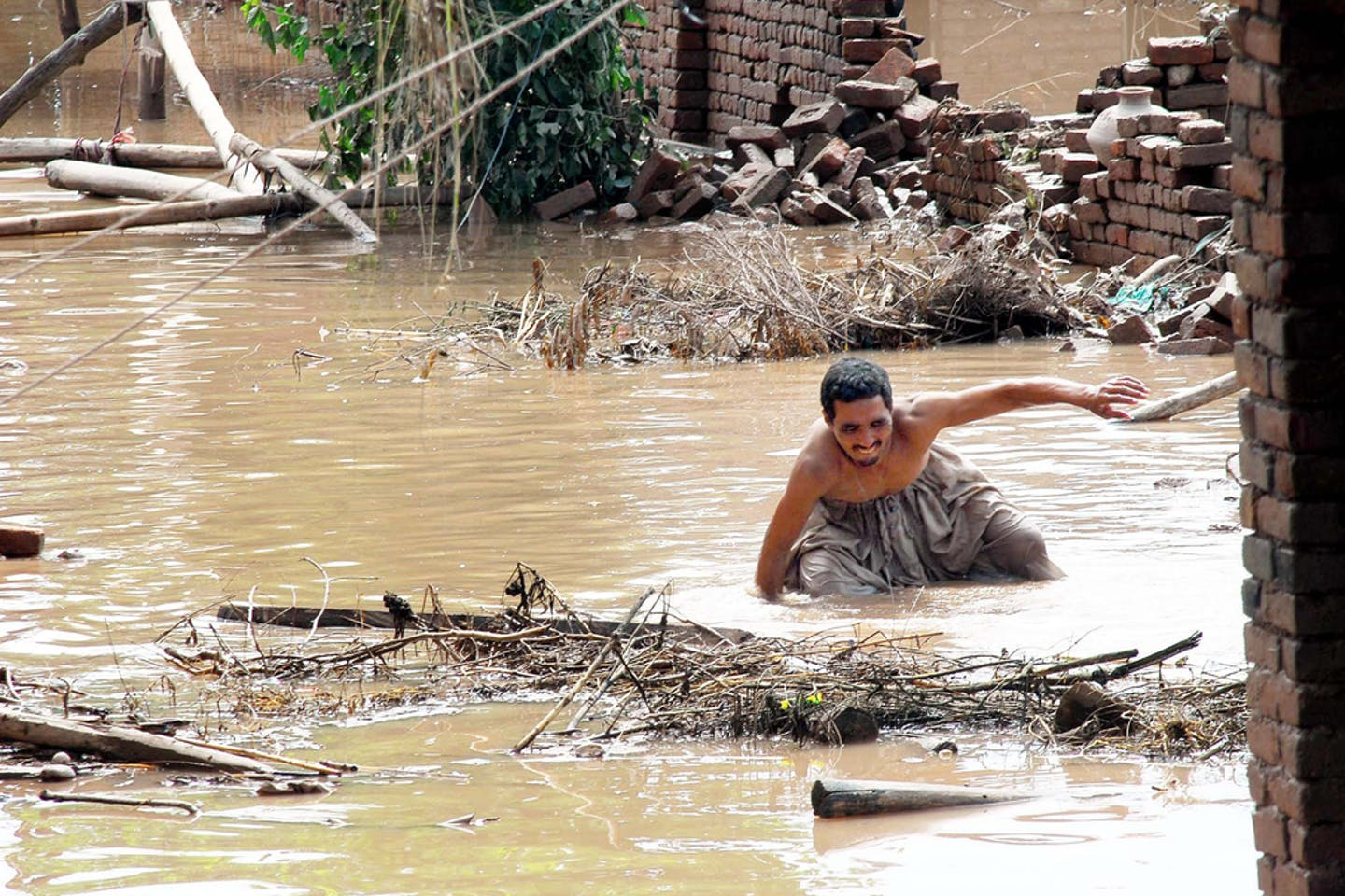 pakistan flood damage