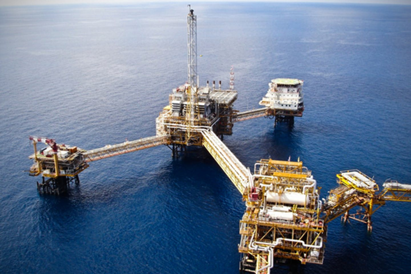oil rig offshore