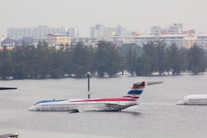 plane flooded bangkok