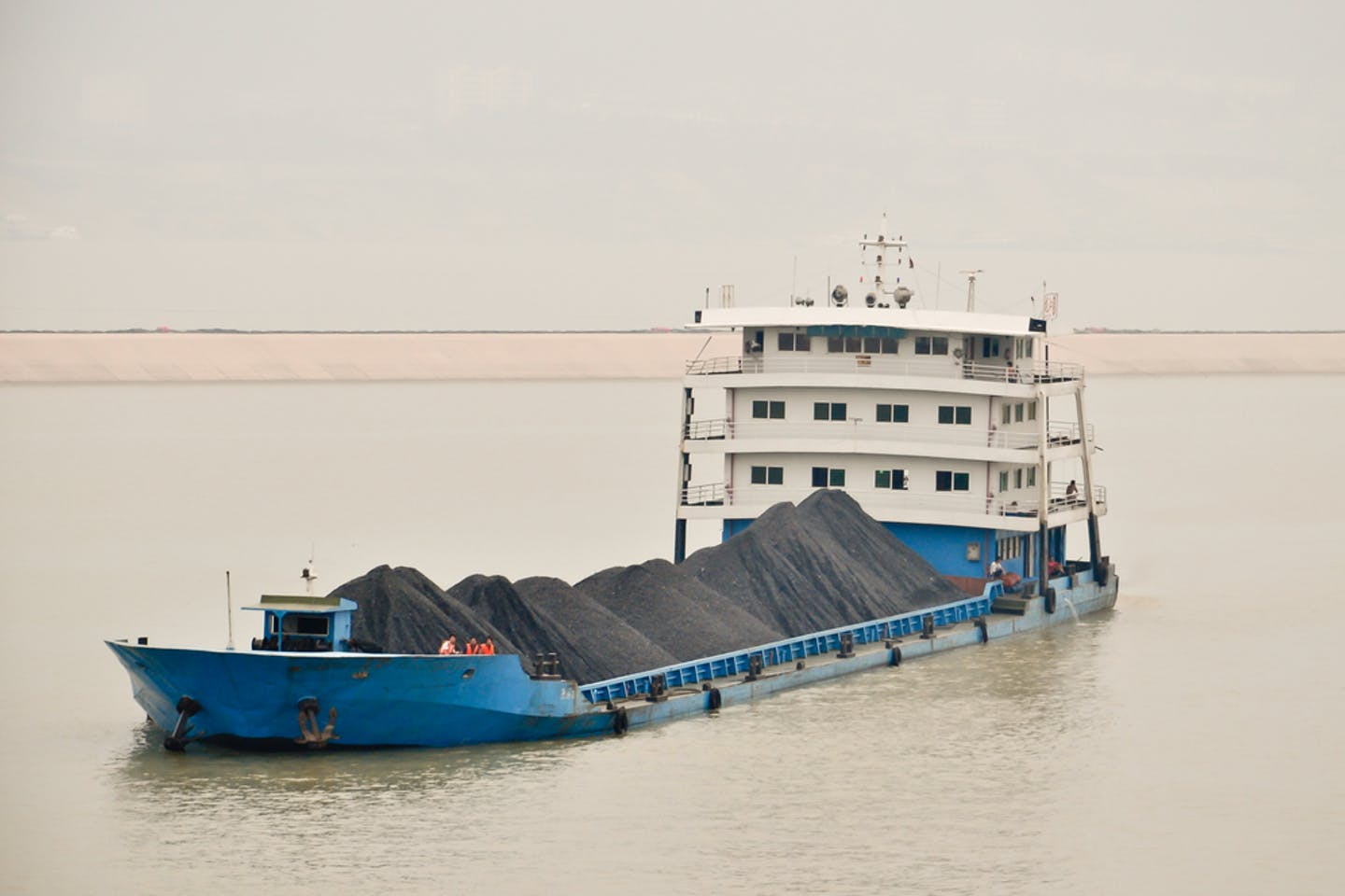 Coal freighter china